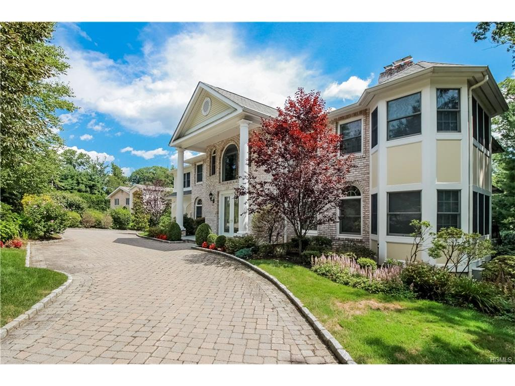 124 N Lakeshore Drive, Eastchester, NY 10709