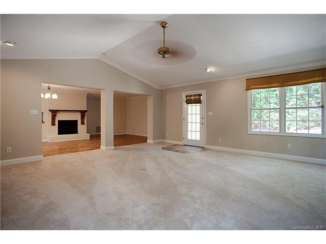 970 24th Ave Drive NW, Hickory, NC 28601