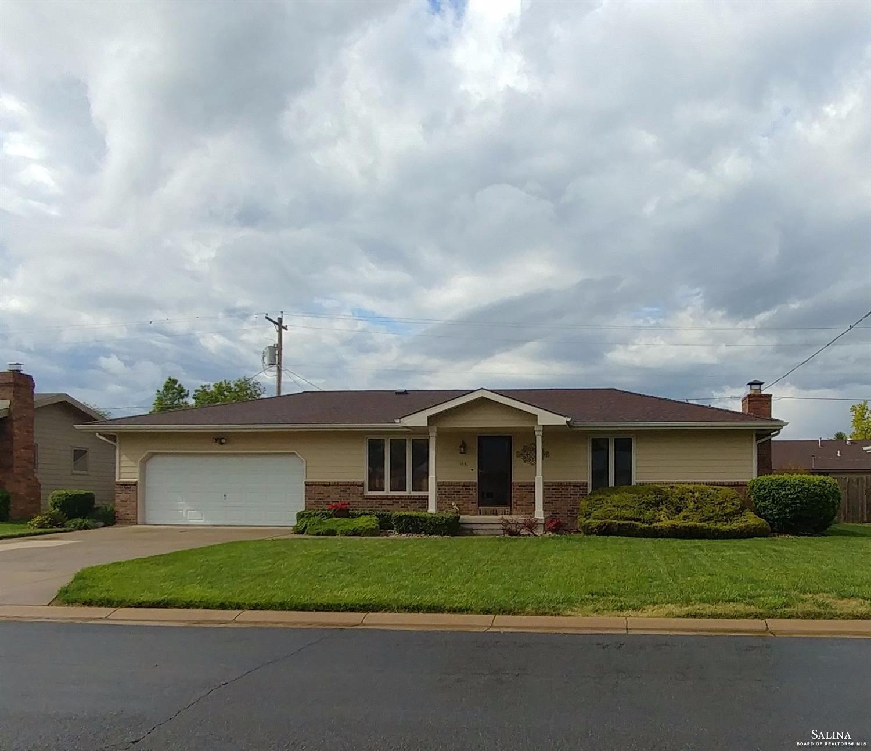 1331 Bradshaw Drive, Salina, KS 67401