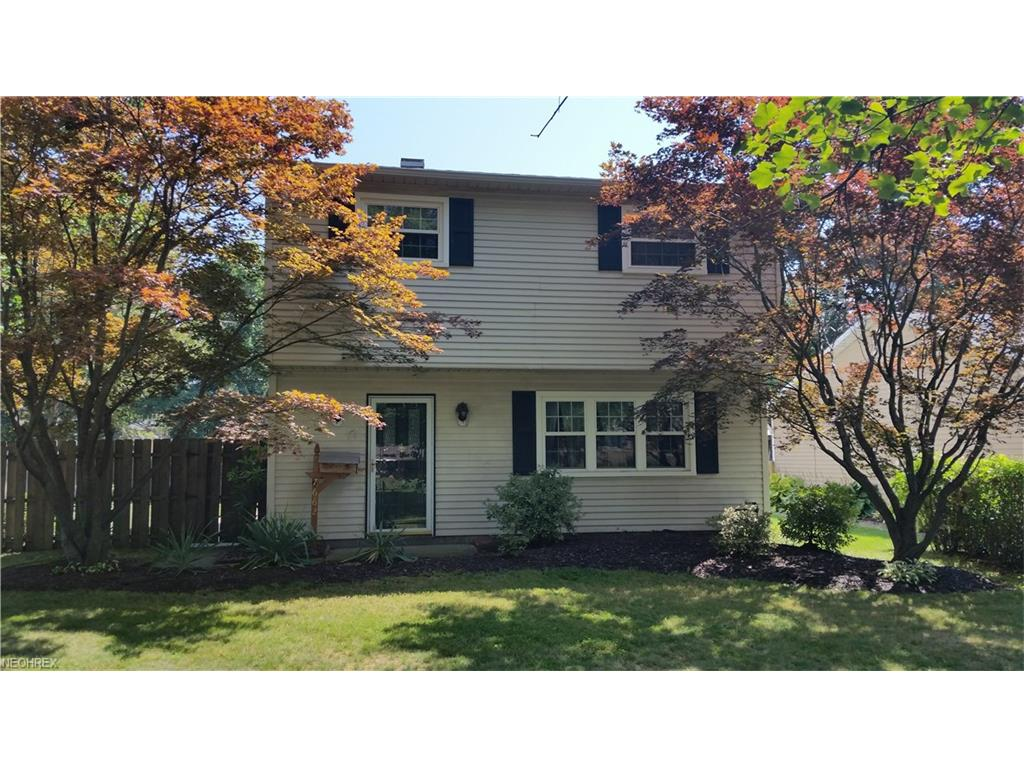 7662 Dahlia Dr, Mentor-on-the-Lake, OH 44060
