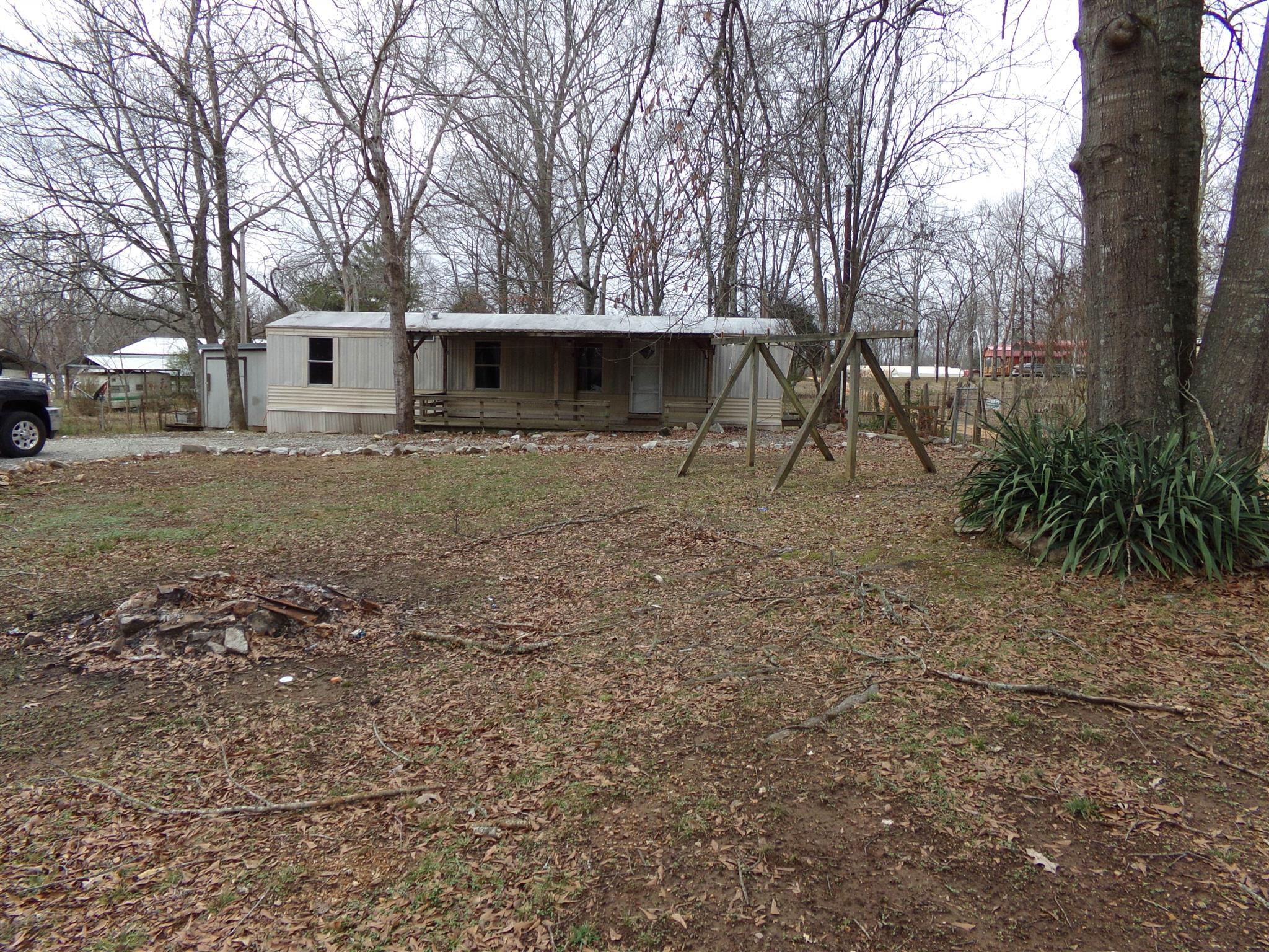 1528 Cedar Creek Landing Rd, Linden, TN 37096