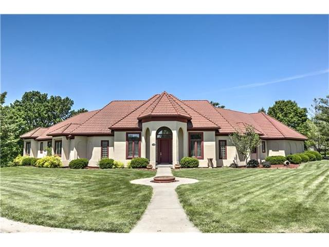 1104 SW FOUNTAIN Circle, Lee's Summit, MO 64081