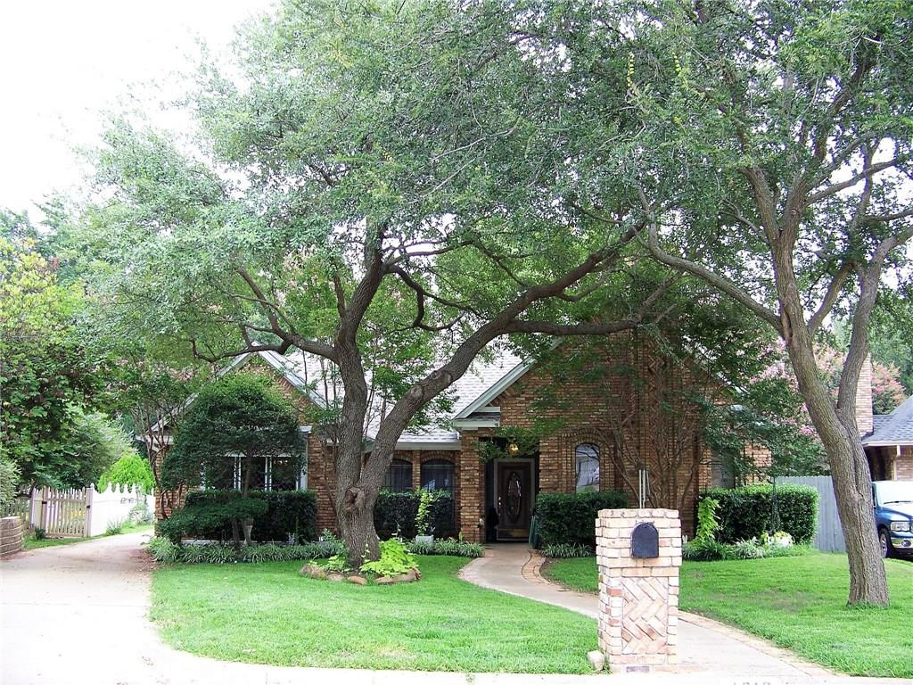 4219 Oak Springs Drive, Arlington, TX 76016