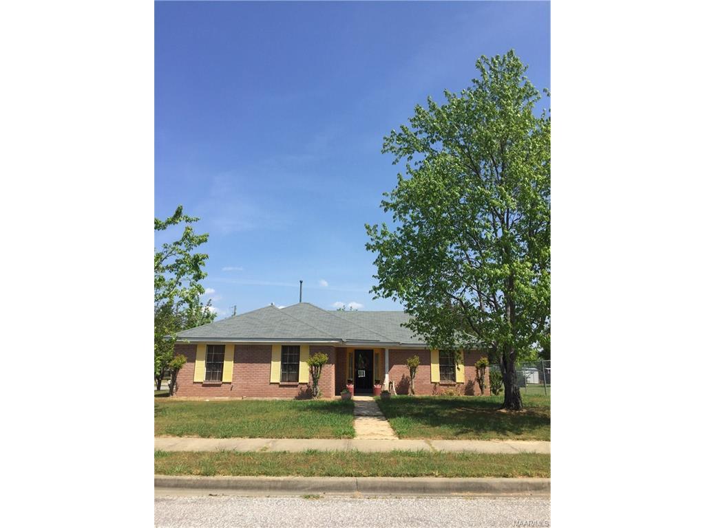 3201 Meadow Walk Lane, Montgomery, AL 36116