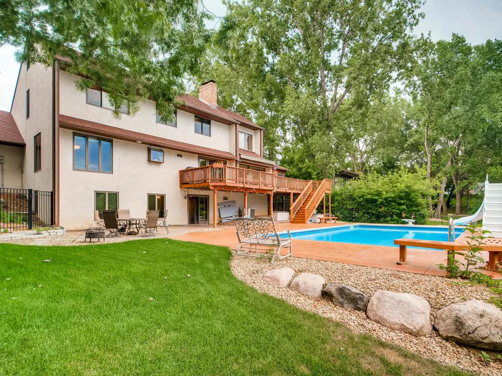 1836 Rolling Green Curve, Mendota Heights, MN 55118