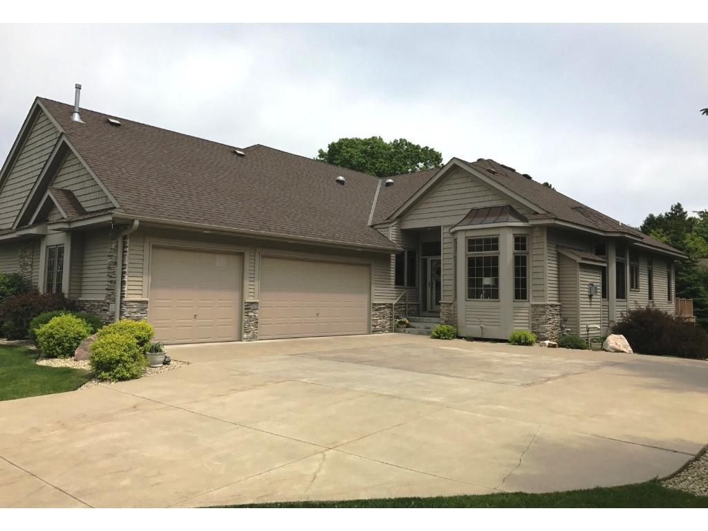 2170 Midland View Court N, Roseville, MN 55113