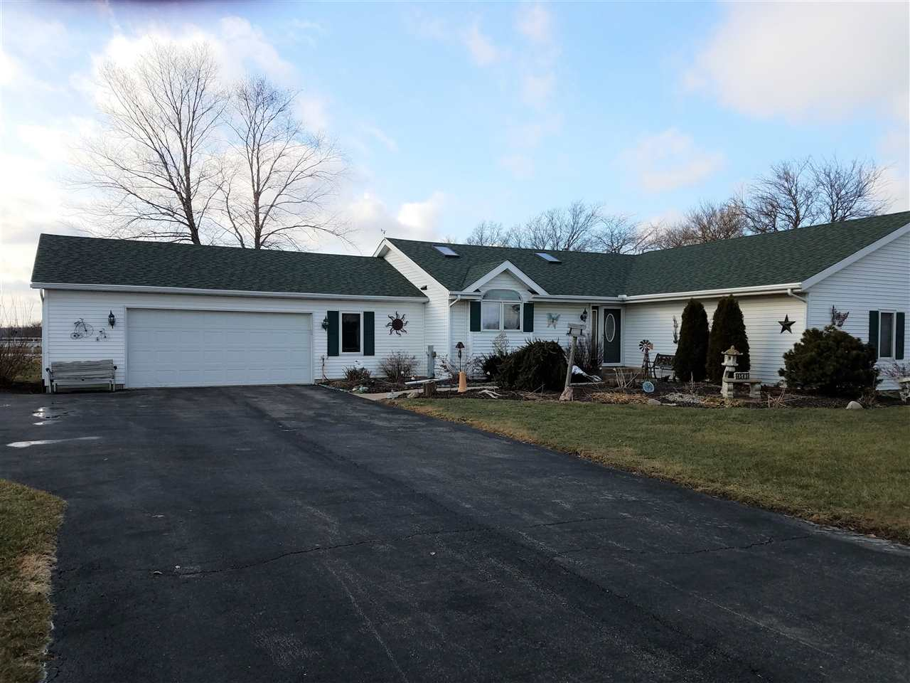4545 River Rd, CHERRY VALLEY, IL 61016