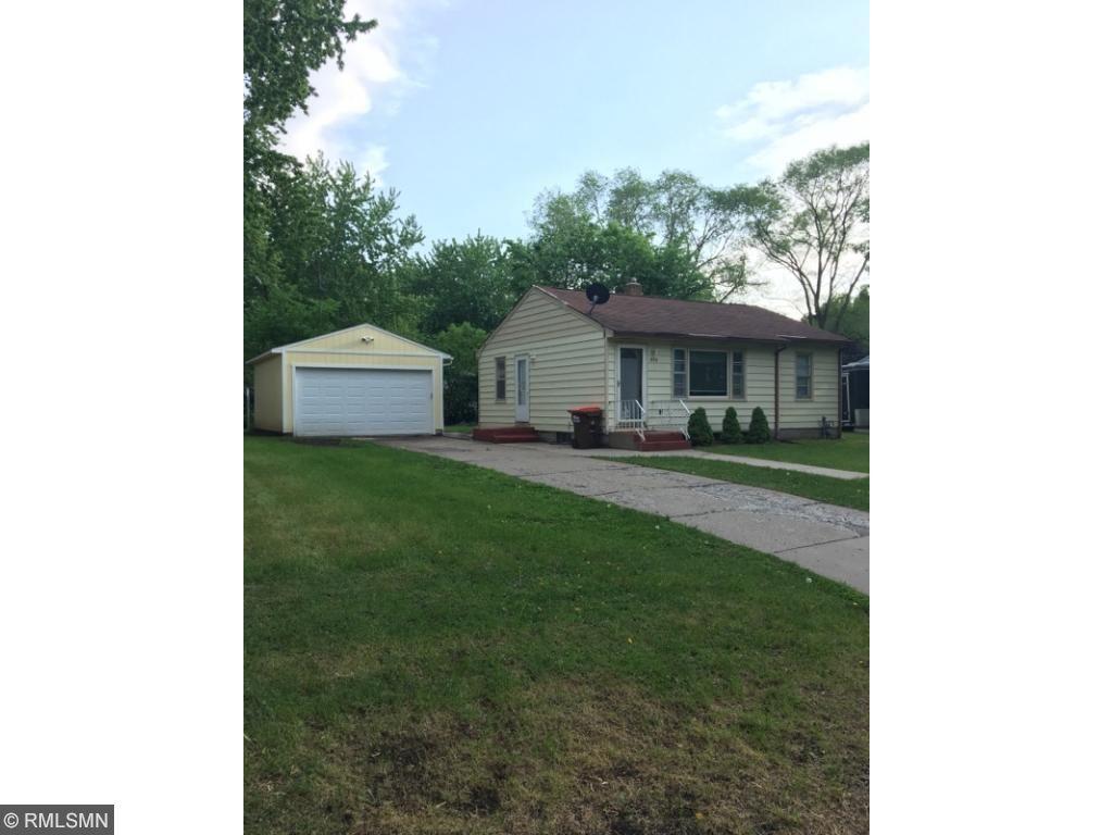 1406 E Belmont Lane E, Maplewood, MN 55109