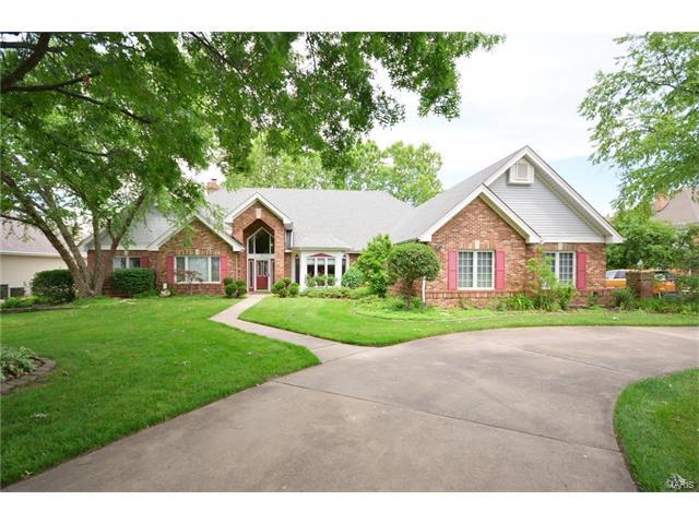 56 Moorings Drive, Lake St Louis, MO 63367