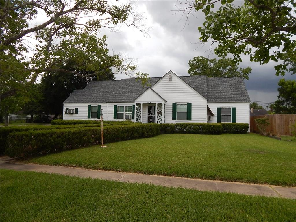108 Avenue I East, Robstown, TX 78380