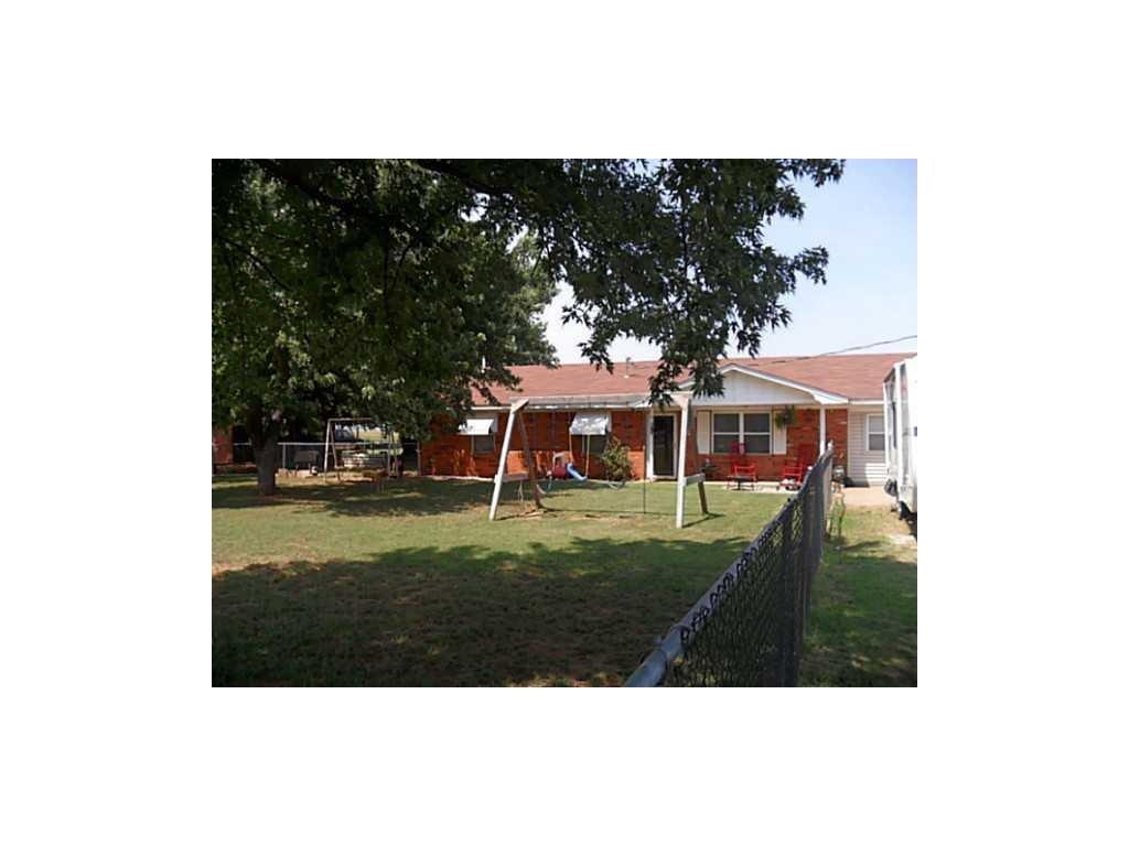 17233 E County Road 1500, Lindsay, OK 73052