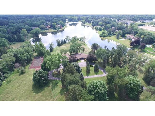 580 E LONG LAKE RD, Bloomfield Hills, MI 48304
