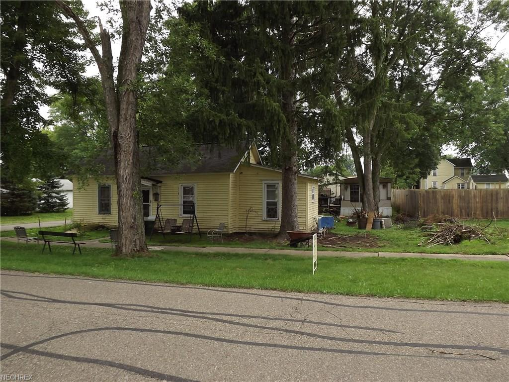 30 W 5th St, Dresden, OH 43821