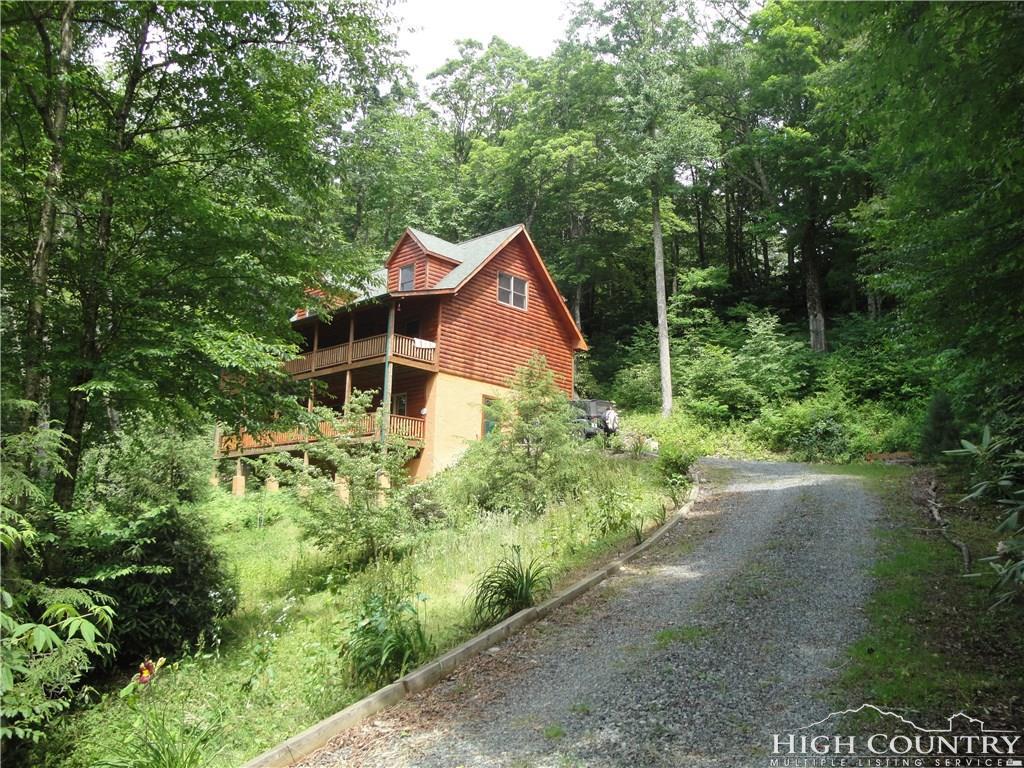 210 Cabin Cove Road, Banner Elk, NC 28604
