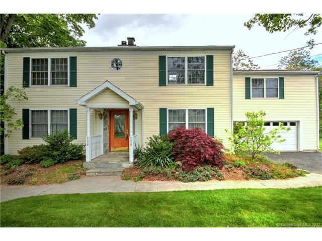 208 Roses Mill Rd, Milford, CT 06460