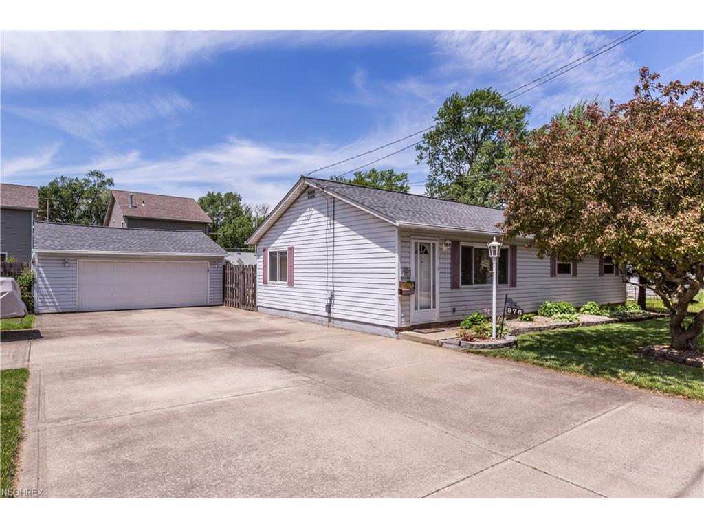 976 Bellevue Dr, Willoughby, OH 44094