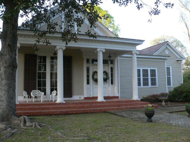 1200 Peters Street, Summit, MS 39666