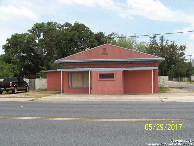 699 W Rice St, Falfurrias, TX 78355