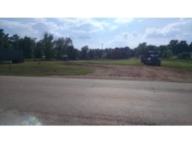 635 Oak Avenue, Cushing, TX 75760