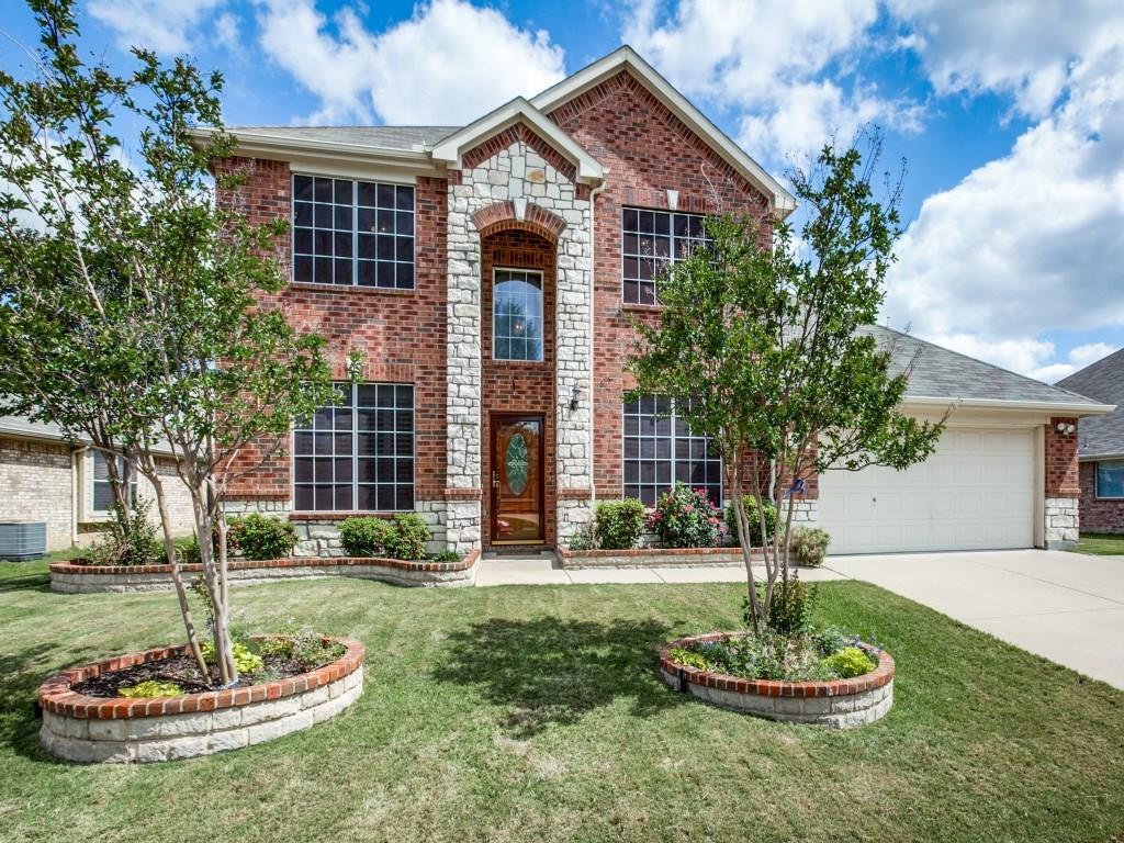 828 Fair Oaks Drive, Grand Prairie, TX 75052