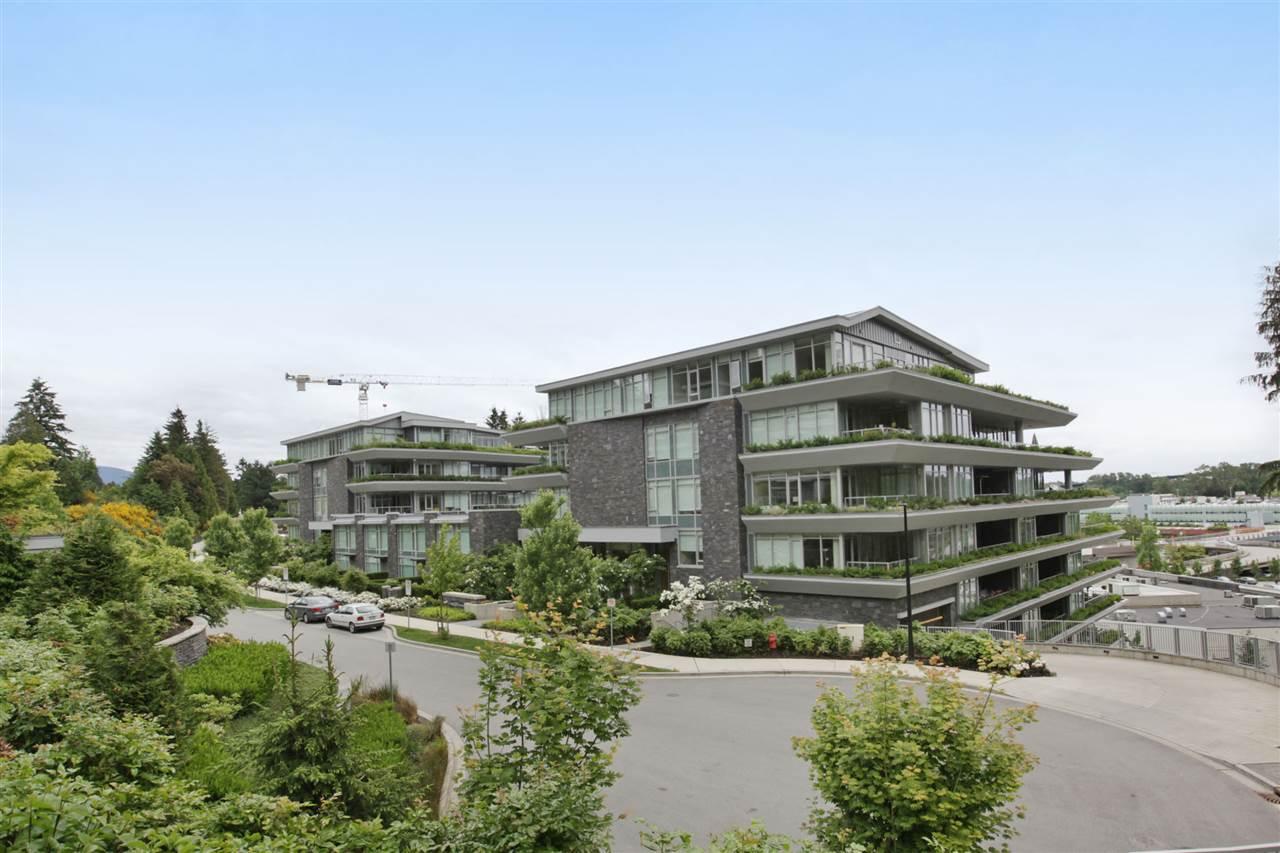 866 ARTHUR ERICKSON PLACE 201, West Vancouver, BC V7T 0B2