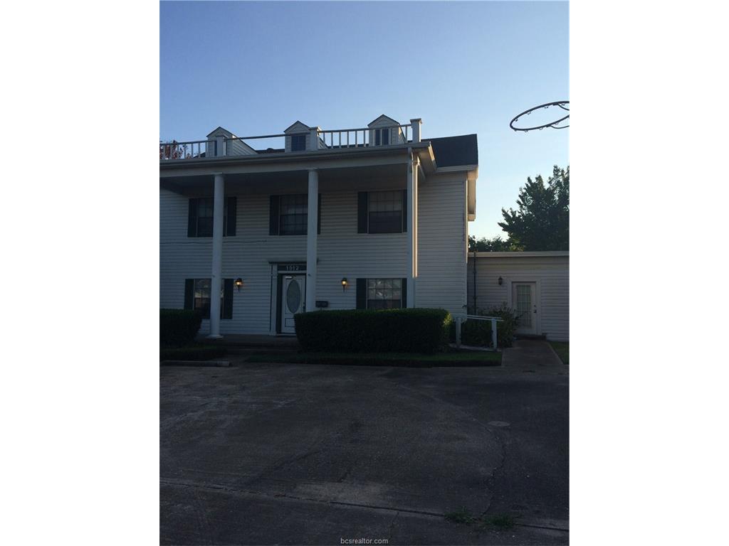 1512 S Texas Avenue, Bryan, TX 77802