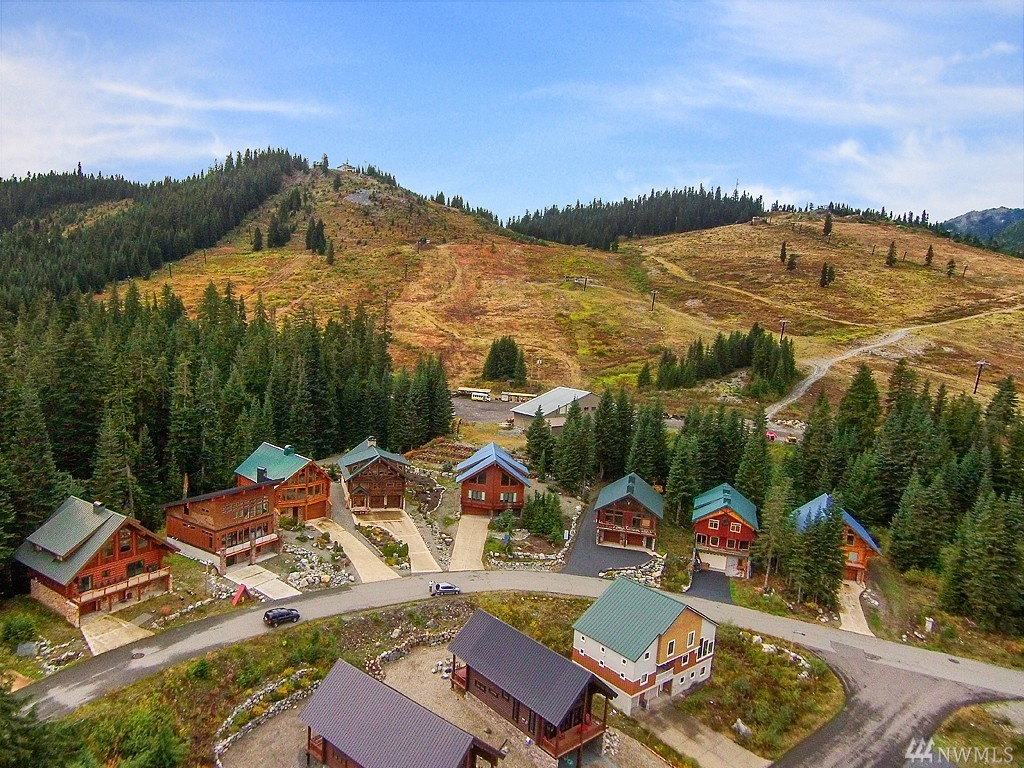 34 Summit Wy, Snoqualmie Pass, WA 98068