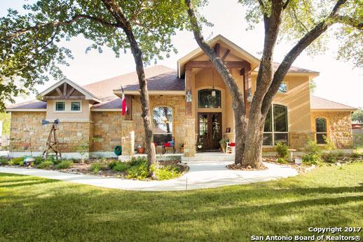 132 Copper Creek Dr, La Vernia, TX 78121