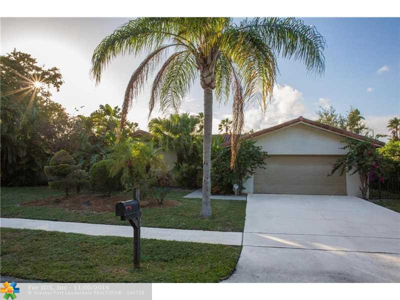 33 SW 15th Ct, Boca Raton, FL 33486