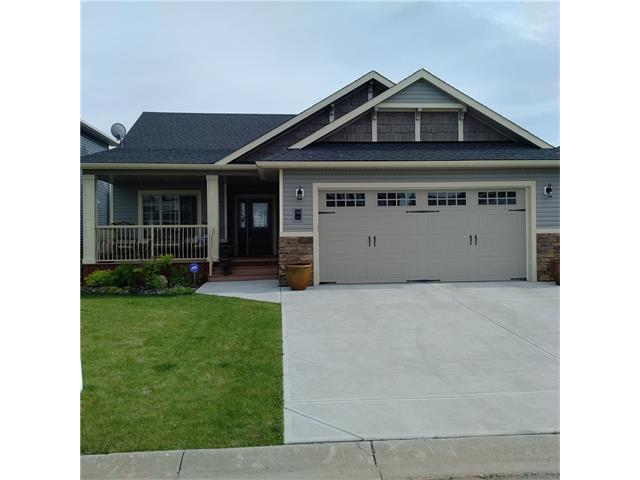 756 Stonehaven Drive, Carstairs, AB T0M 0N0