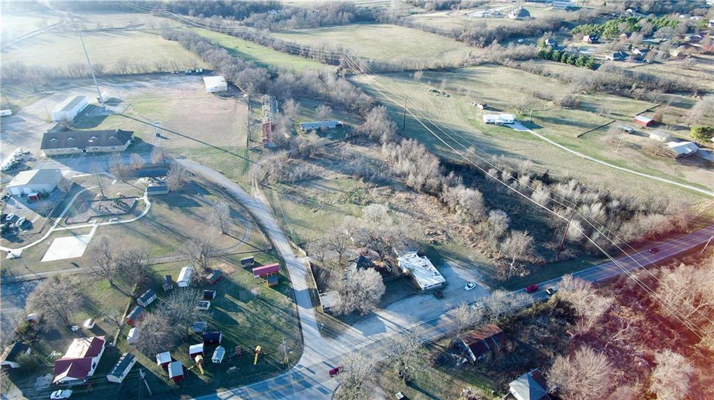327 N ELM ST, Elm Springs, AR 72728