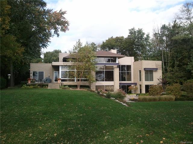 4455 Dow Ridge RD, Orchard Lake, MI 48324