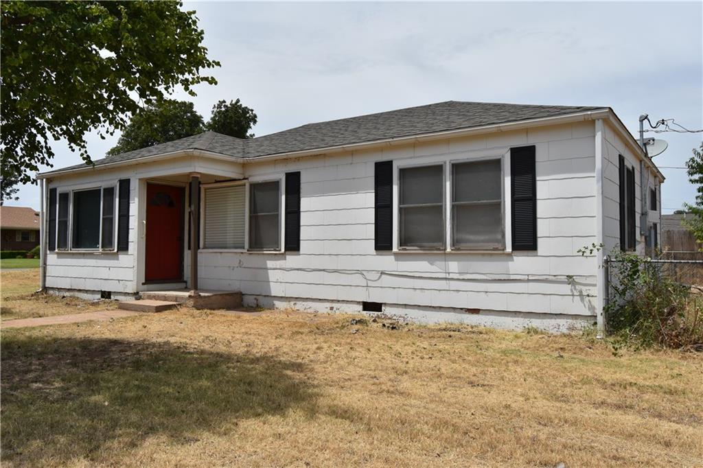 1402 N 6th, Sayre, OK 73662