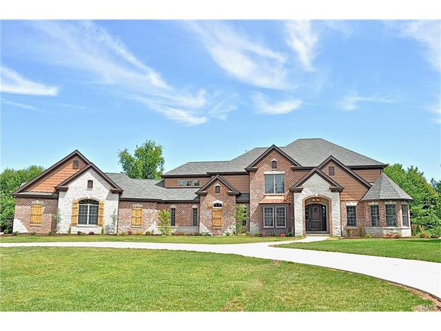 12 Williamsburg Estates Drive, Town and Country, MO 63131