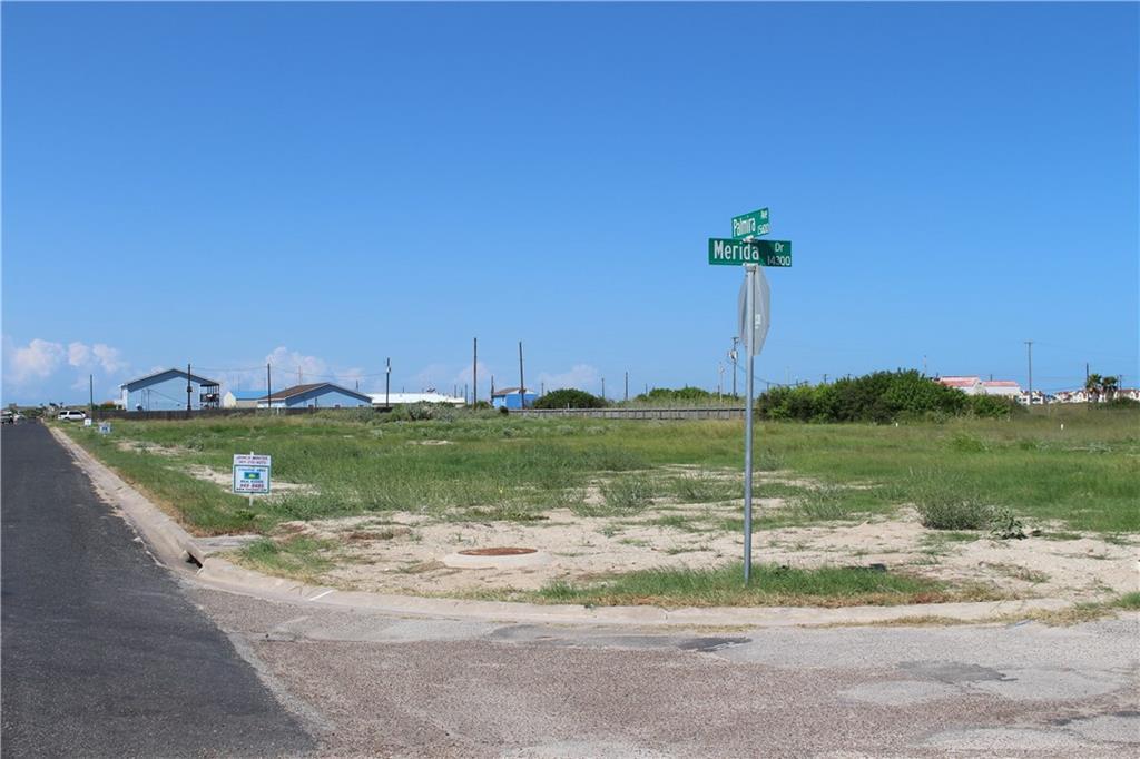 15566 Palmira Ave, Corpus Christi, TX 78418