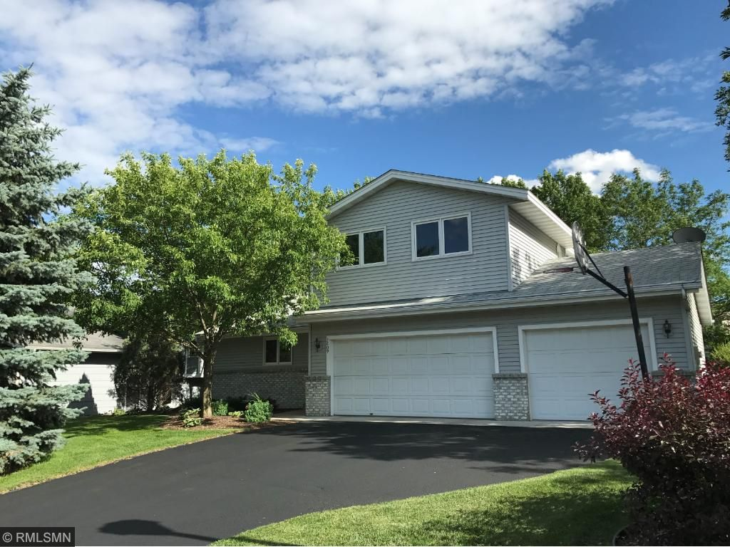 3809 Thistle Lane, Burnsville, MN 55337