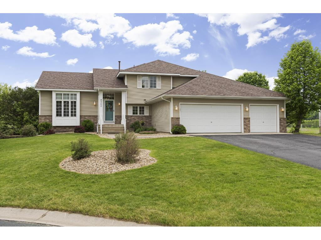 8760 Valley View Place, Chanhassen, MN 55317