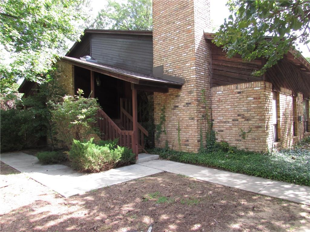 1909 Hollyhill Lane, Denton, TX 76205