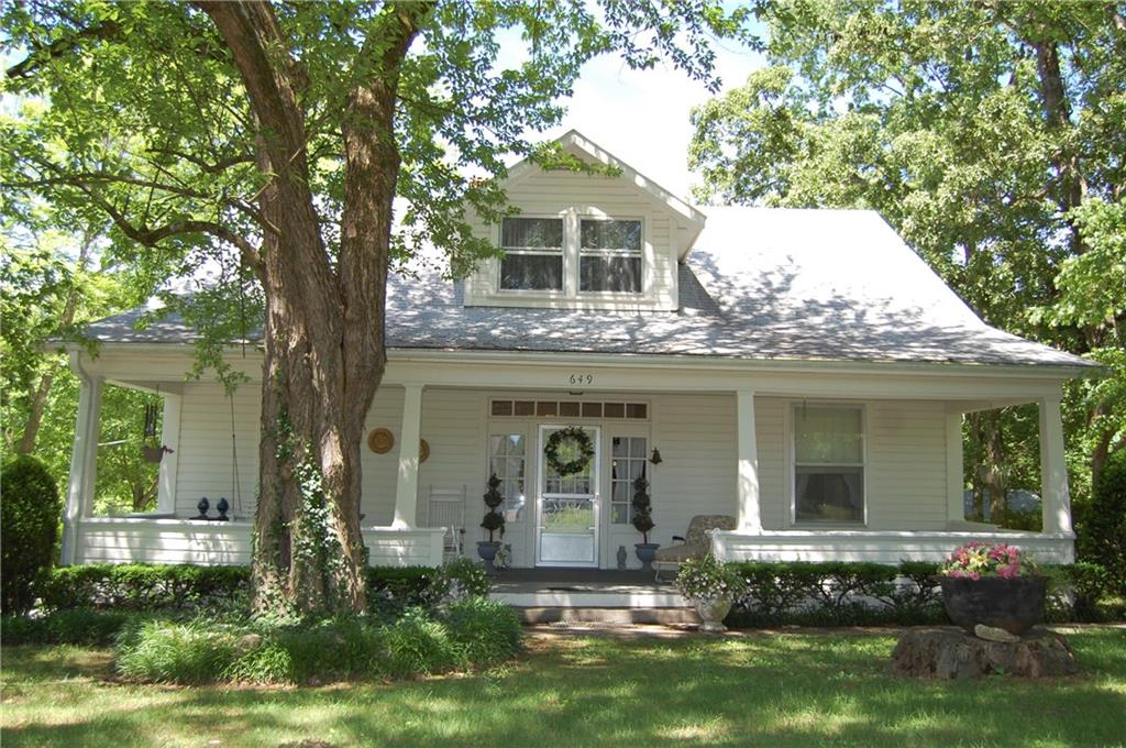 649 Russell RD, Rogers, AR 72756