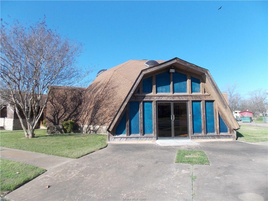 1206 W 12th Street, Caldwell, TX 77836