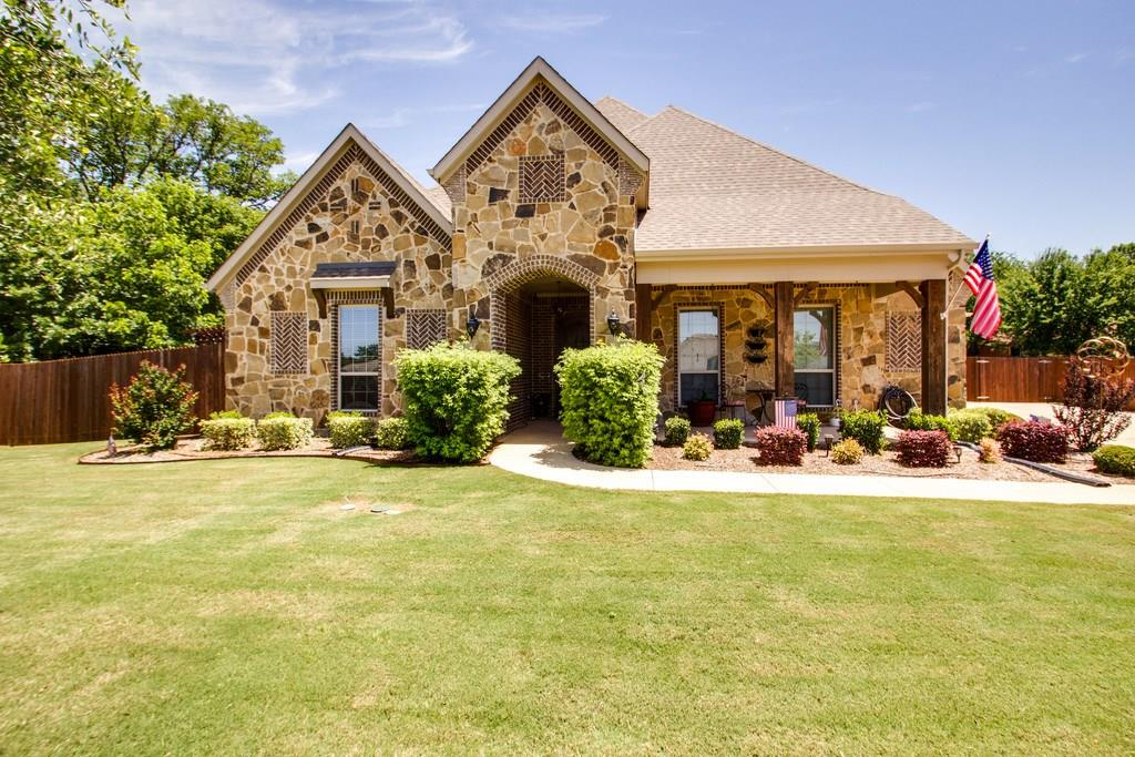 816 Cardinal Road, Mansfield, TX 76063
