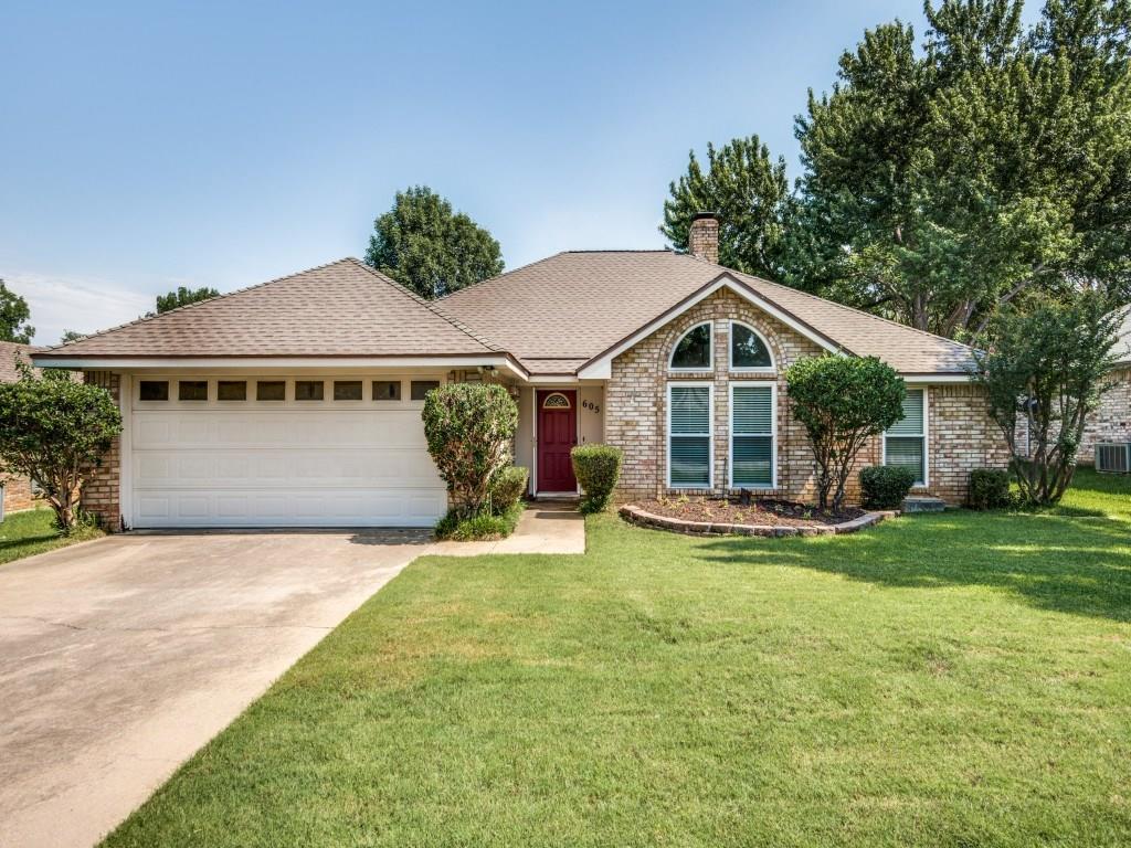 605 Oak Lane, Grapevine, TX 76051