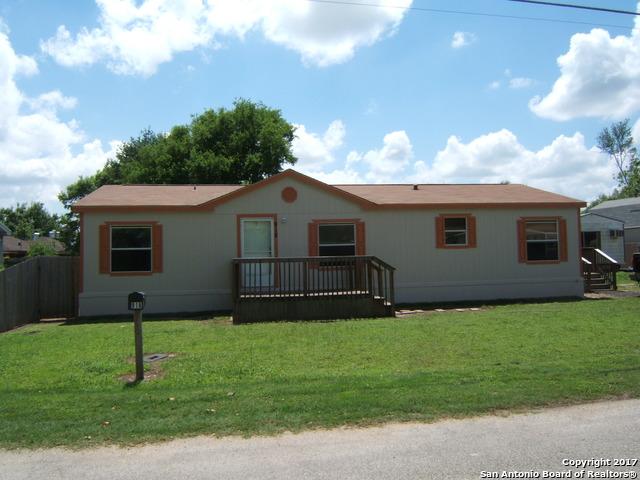 918 Reiley Rd, Seguin, TX 78155