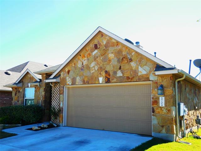 570 Middle Creek Dr, Buda, TX 78610