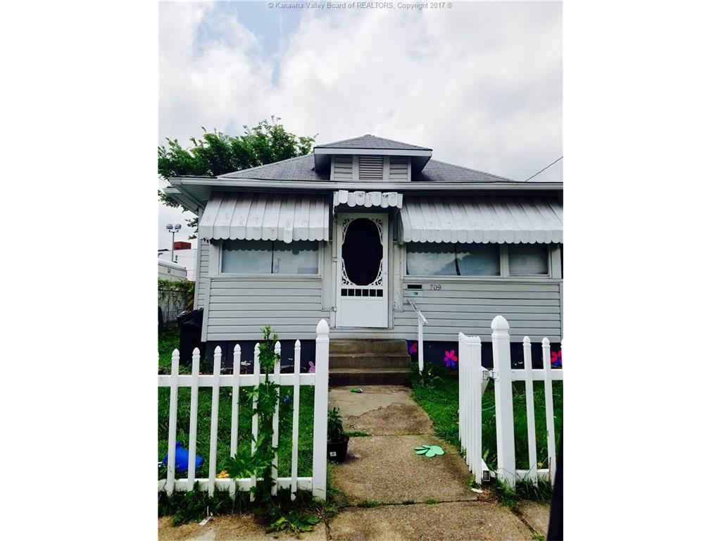 709 Breece Street, Charleston, WV 25302