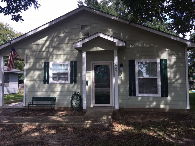 3820 Joplin Avenue, Groves, TX 77619