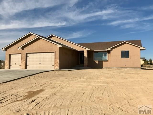 591 S Ferncliff Dr, Pueblo West, CO 81007