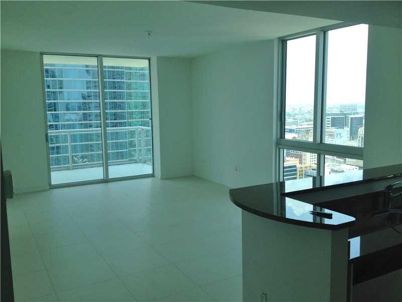 300 S Biscayne Blvd T-3101, Miami, FL 33131