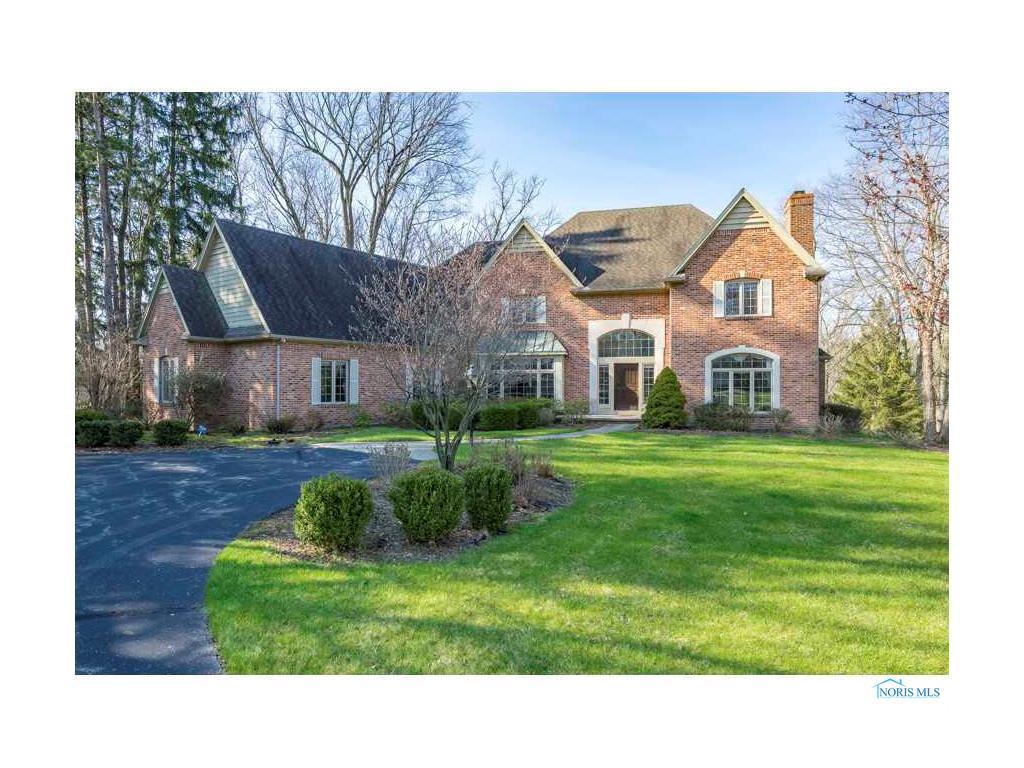 2554 Forestvale Road, Ottawa Hills, OH 43615