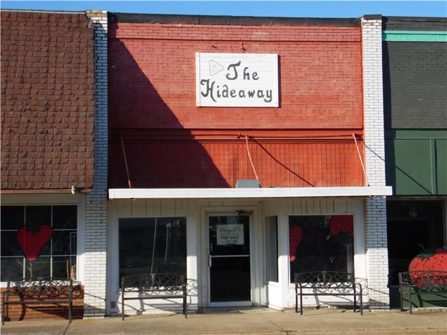 106 W. Gallatin St., Adairville, KY 42202